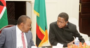 President Lungu speaks with Kenya's President Uhuru Kenyatta after the bilateral talks at State House in Lusaka on July 3,2015 -Picture by THOMAS NSAMA
