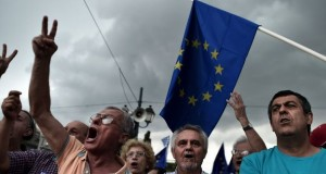 """The main slogan of Tuesday's protest was: """"We're staying in Europe"""""""
