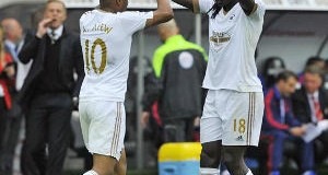 Bafetimbi Gomis and Andre Ayew © Action Images