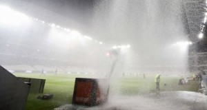 A football match between Nice and Nantes had to be abandoned due to torrential rain