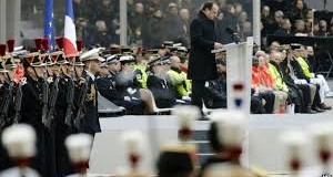 Paris attacks: France holds service to remember 130 dead