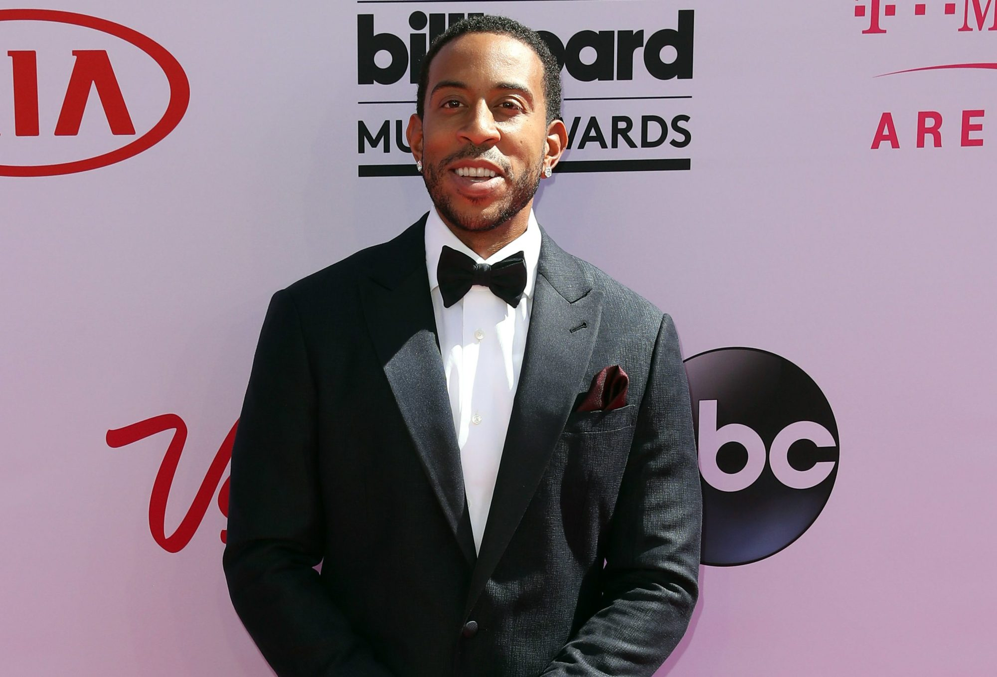 Ludacris Thanks His Mother In The Coolest Way For Mother's ...
