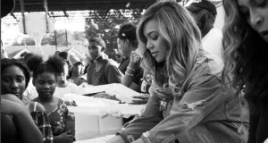 Beyonce's been helping people affected by Hurricane Harvey in her home town of Houston, Texas.