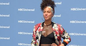 Singer Alicia Keys is part of a new advertising campaign for Tiffany's & Co. Read more.