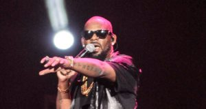 R. Kelly says he had nothing to do with the breakdown of a couple's marriage in Mississippi.